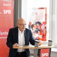 Der scheidende Vorsitzende Erich Henke gibt seinen letzten Rechenschaftsbericht ab