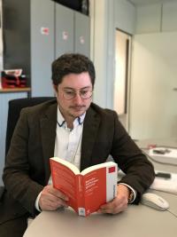 Manuel Michniok verweist auf betroffene Paragraphen im Berufsbildungsgesetz