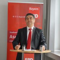 Oberbürgermeister Klaus Herzog würdigte Henkes vielfältige Verdienste um die Stadt Aschaffenburg und die Aschaffenburger SPD