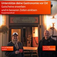 Manuel Michniok mit Heinz Kolb, Gastwirt der Ratsstube