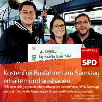 Manuel Michniok, Sophie Peter und Tobias Wüst mit großem kostenfreien ÖPNV Ticket
