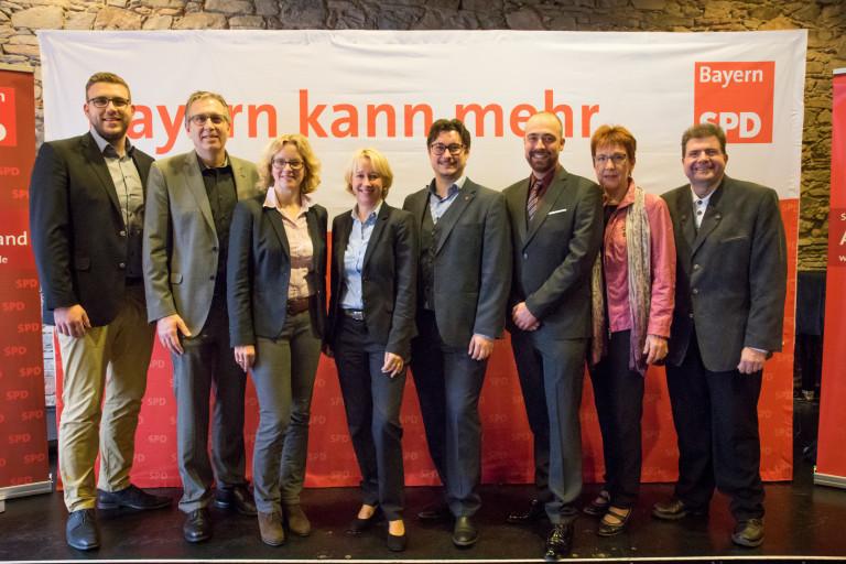 Genossinen und Genossen des SPD Unterbezirks und Stadtverbands Aschaffenburg mit unserer Ehrengastrednerin Natascha Kohnen