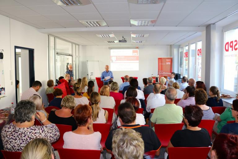 """Rund 70 Gäste kamen zur neuesten Ausgabe der """"Politischen Impulse"""" des SPD-Stadtverbands Aschaffenburg zum Thema Pflege."""